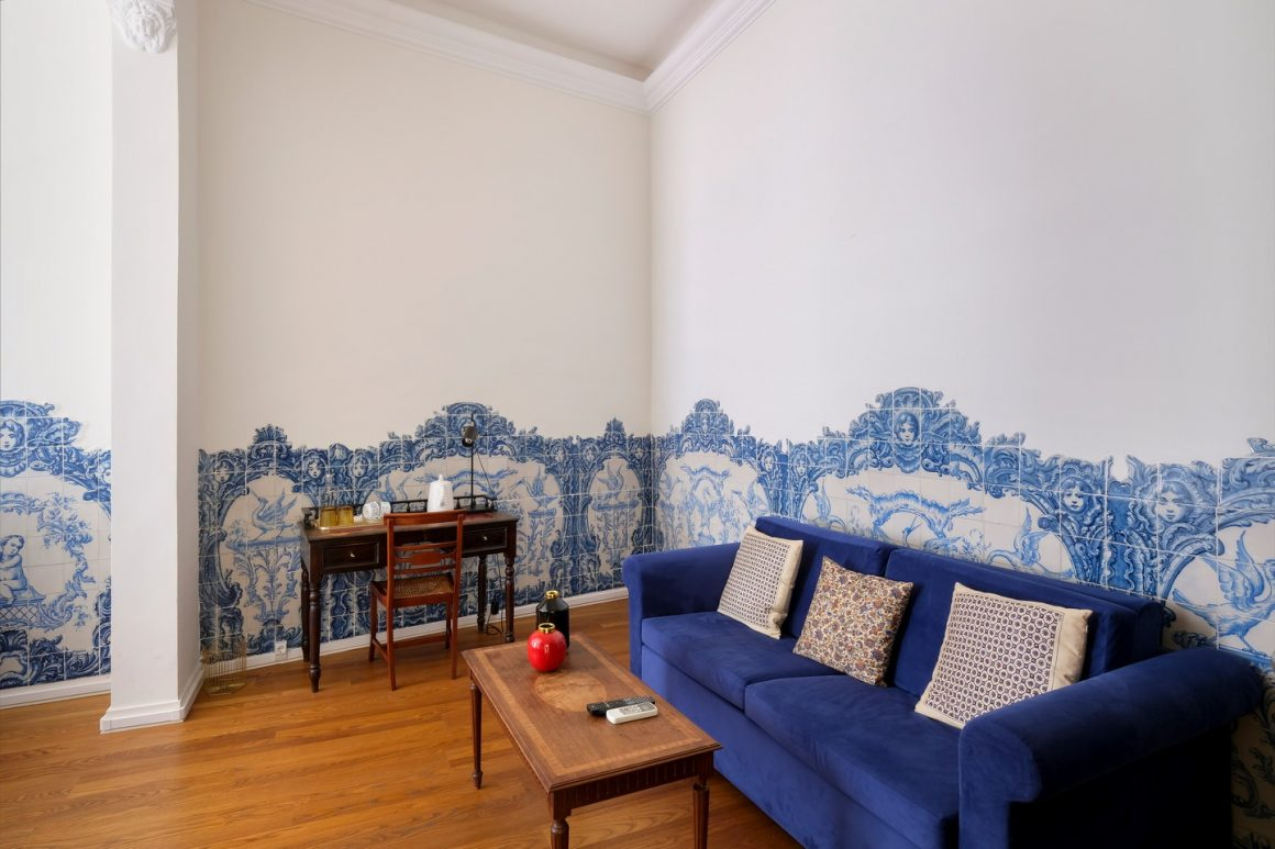 Queen Suite – Portuguese Tile Suite